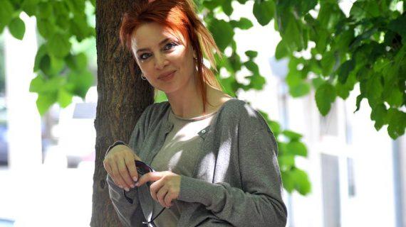 Казвам се Ваня Лозанова