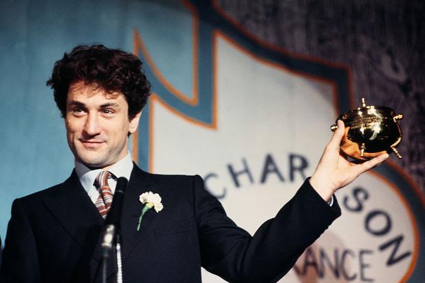 """Американският актьор, режисьор и продуцент печели наградата """"Мъж на годината"""" на театралната общност на Харвардския университет."""