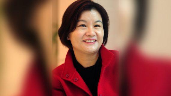Чжоу Кунфей – От бедно момиче без средно образование до най-богатата жена в света