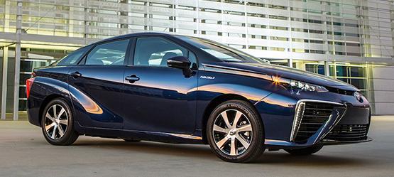 """Тойота """"Мирай"""" каза сбогом на петрола – Водородният седан харчи 15 лева на 1000 км."""