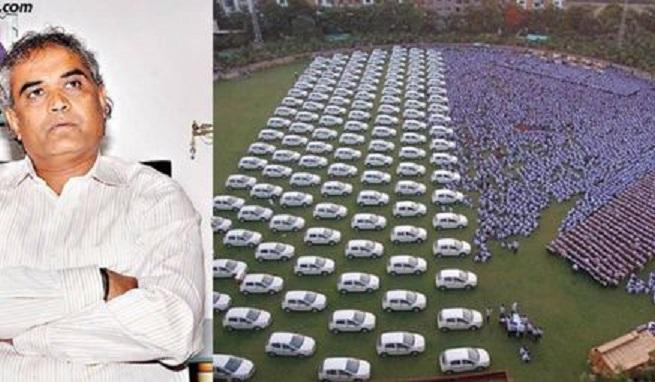 Индийски бизнесмен подари на своите служители 1260 коли и 400 апартамента
